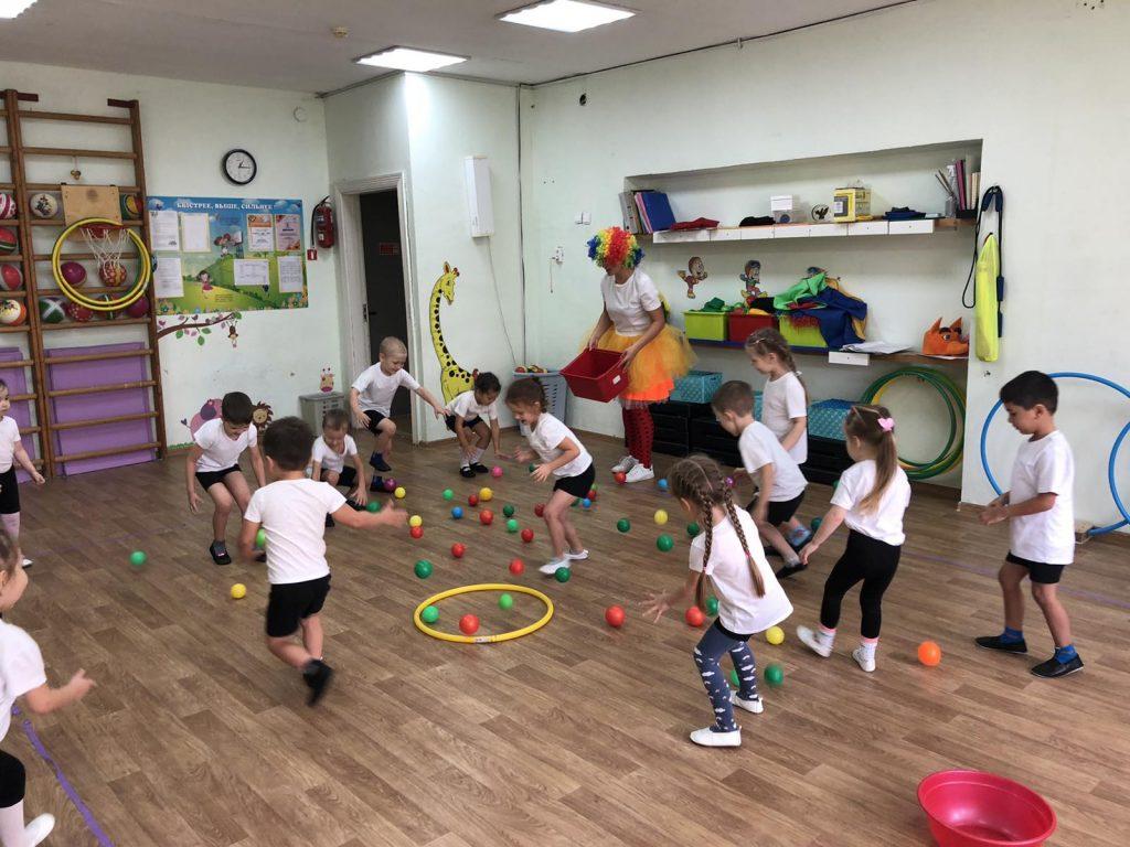 Спортивное развлечение в младших возрастных группах «Мой весёлый звонкий мяч».